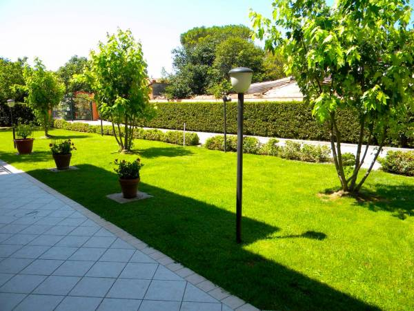 Elegante Villa Di 500mq Con Ampio Giardino A 5 Minuti Dal